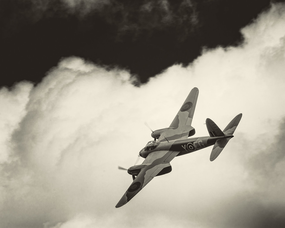 dehavilland de havilland mosquito ardmore display new zealand auckland david st george event documentary photography
